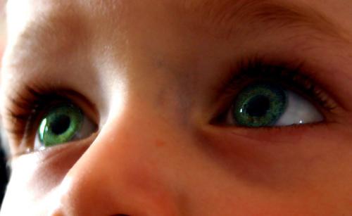 enfant-yeux-lumiere